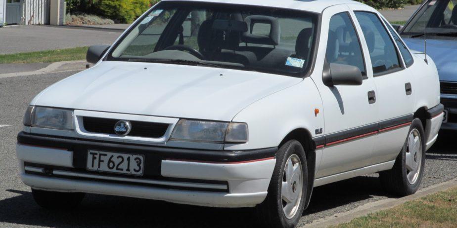 1995_Holden_Vectra_2.0_GLS